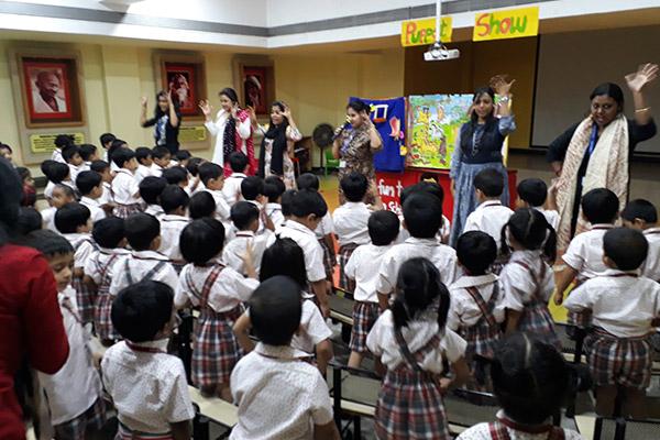 Puppet Show - It's Fun To Go School